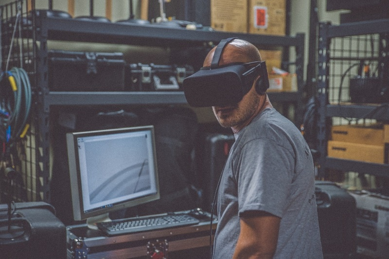 Training manufacturing in VR